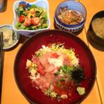 漁師屋 鷺沼店 - ランチ限定!!漁師のヅケ盛り丼777円