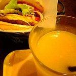 3435892 - チーズバーガー・しぼりたてオレンジジュース