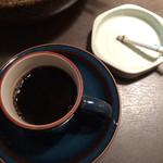 34355199 - ランチにはコーヒーのサービスがあり、喫煙可。