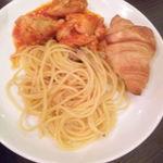 34355552 - 3皿目・チキンのトマト煮、ペペロンチーノ、クロワッサン