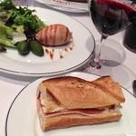 ブラッスリー・ヴィロン 渋谷店 - 鶏白レバーのムース キャラメルソース ブリーと生ハムのバゲットサンド