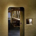 豆まる - お茶屋の入口を模して作られた扉。京都唐長の雲母で描かれた戸を引いて中へどうぞ