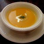絽朱愉 - 料理写真:セットのスープ(にんじんのポタージュ)!