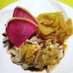 龍の翼 - 本日の前菜盛り合わせ、蒸し鶏 冷製  叉焼  くらげ