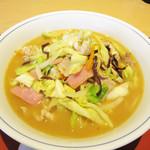 中華料理 泰洲園 - 料理写真:チャンポン。この日はたまたま日替わりサービスのメニューになっていて、 690円→600円になっていました♪