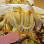 中華料理 泰洲園 - ピチピチと活きがいい弾力ある中太麺です。
