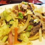 中華料理 泰洲園 - 皿うどんです。 お値段は800円。 調理時間は手間分だけ少しかかります。