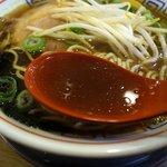 34367055 - スープは程よい甘みがあり、コクもそこそこで美味しいです。