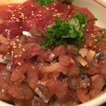 鮮魚・お食事処 山正 - 二色丼(まぐろ・あじ) 880円酢飯大盛り