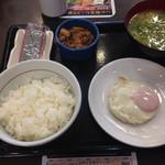 なか卯 - 20150120 目玉焼き牛小鉢朝定食 豚汁変更