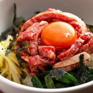 お肉もおかずも〆も大満足☆充実のサイドメニュー♪