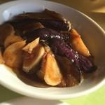 華都飯店 - 茄子と大蒜の炒め物