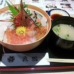 34376500 - 豪快漁師の海鮮丼(1480円)
