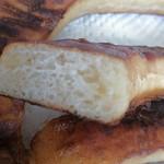 34379098 - 塩とバター風味が立ったパン生地。