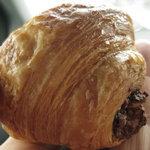 リヨン 小麦壱番館 - チョコクロワッサン