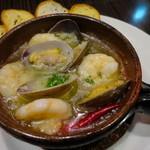 ITALIAN×SPANISH グラニタ - 魚介のアヒージョ(海老と浅利)