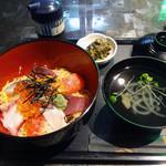 明己悟 - 「海鮮丼」300円
