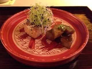 祇園 末友 - 焼き魚は、ブリ。堀川ごぼうの治部煮。お皿には、「福」とかいてありました。