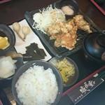 和中旬菜 威風堂々 - 爆だん鶏の唐揚げランチ(税抜き900円)(2015.1撮影)