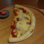 猿Cafe - 「マルゲリータピザ」です。