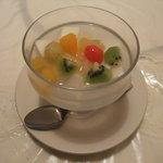 広東厨房 - 3150円コース(豆乳入りアンニンドウフ)
