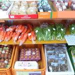 しんすい庵 - 野菜も販売中