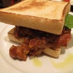 ハーブス - チキンのトマトソース煮込みのサンド