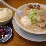 韃靼ラーメン 一秀 - 特製ラーメン(850円)&小ライス(150円)
