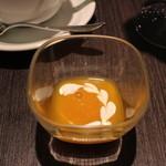 カフェ コムサ - お好みでかけるマンゴーソース」