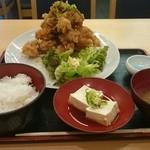 34422835 - 唐揚げマウンテン定食(ご飯お代わりOK)850円