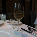アコール - グラスワイン(864円)の白