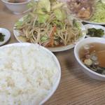 西華 - 焼肉定食と野菜炒め単品