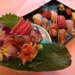 四季の味 玉寿司 - 料理写真:お寿司、刺身盛り合わせ