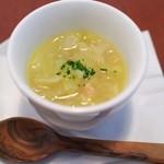 レスタミネ エマ - アミューズ キャベツのスープ