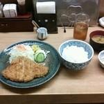 渡来亭 - 料理写真:ロースとんかつ定食Mサイズ 1000円