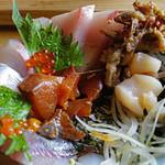 塩湯 - 海鮮丼3層目