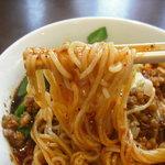 本格中華料理点心 純太楼 - 細麺です。