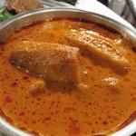 タイ料理 あろいなたべた - エビとナスのレッドカレー炒め。                             サラサラですが、味が濃くて白ご飯に合います。