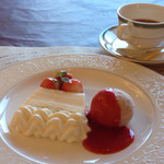 Achero - プティングケーキとコーヒー