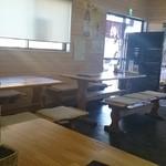 34447215 - 6人テーブル4席と2人テーブル1席