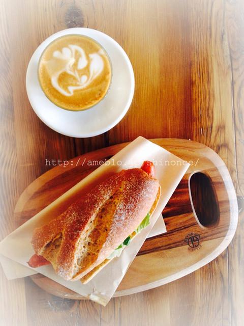 ボンダイ コーヒー サンドウィッチーズの料理の写真