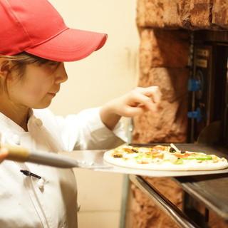 旬の食材と地元愛!!そして、石釜焼ピザというこだわりある店!
