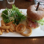 Indy Room Cafe - ハンバーガーLUNCH 1000円