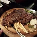 肉バル NORICHANG - アンガス牛のTボーンステーキ・・500グラム。