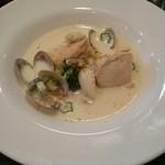 ビストロヴィヴァン - 鶏とアサリのクリーム煮