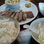 まねき家 - 牛タン定食 900円