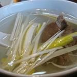 まねき家 - 牛タン定食のテールスープ