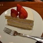 34461465 - 苺のショートケーキ