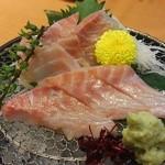 薩摩魚鮮 - メジナの刺身