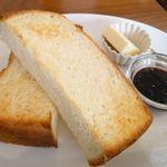 カフェ ココロバ - 松戸Zopfのクリーム食パン使用のトースト(¥250)